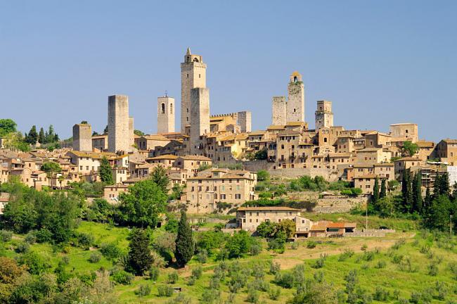 Viajando por Italia-san-gimignano.jpg